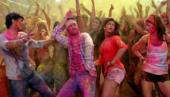 cast-of-yeh-jawaani-hai-deewani-playing-holi