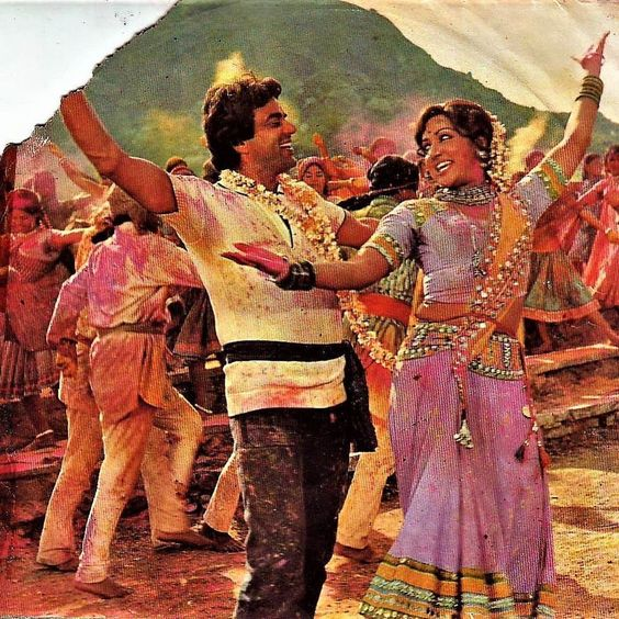 Hema-Malini-holi-look-in-Sholay
