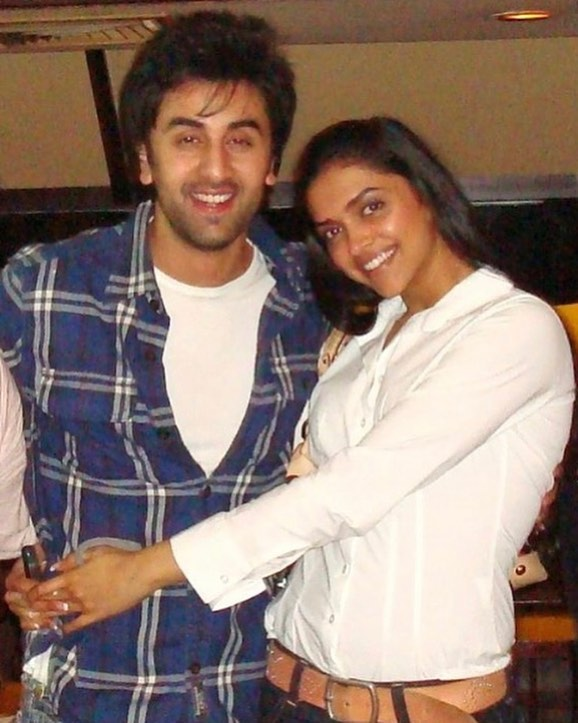deepika-ranbir-bangkok-vacation-hugging