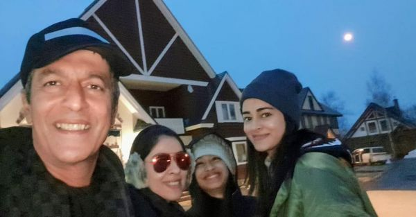 9-ananya-panday-family-vacation-in-japan