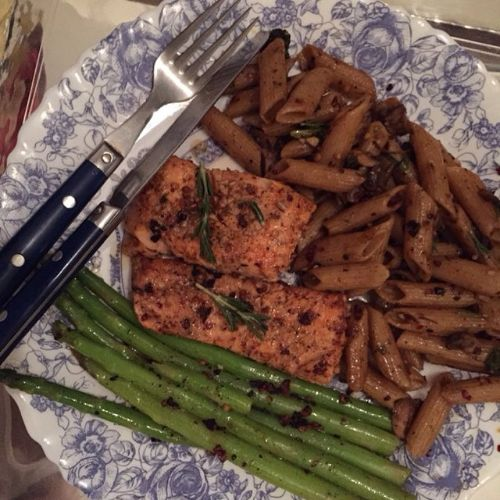 malaika-arora-fitness-and-diet-plan-salmon