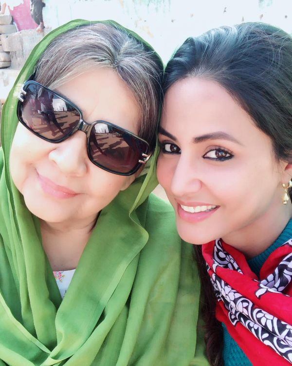 6-hina-khan-farida-jalal-movie