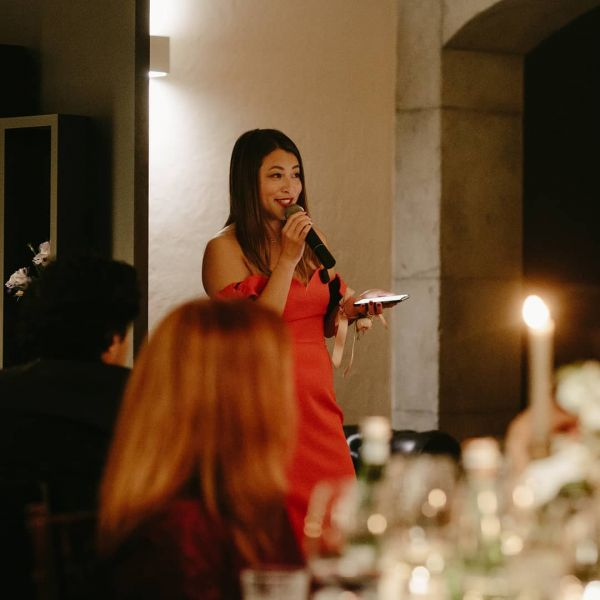 how-to-raise-a-wedding-toast-maid-of-honour