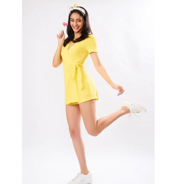 2-knotted-dress-ananya-panday-soty2-yellow-knot-playsuit