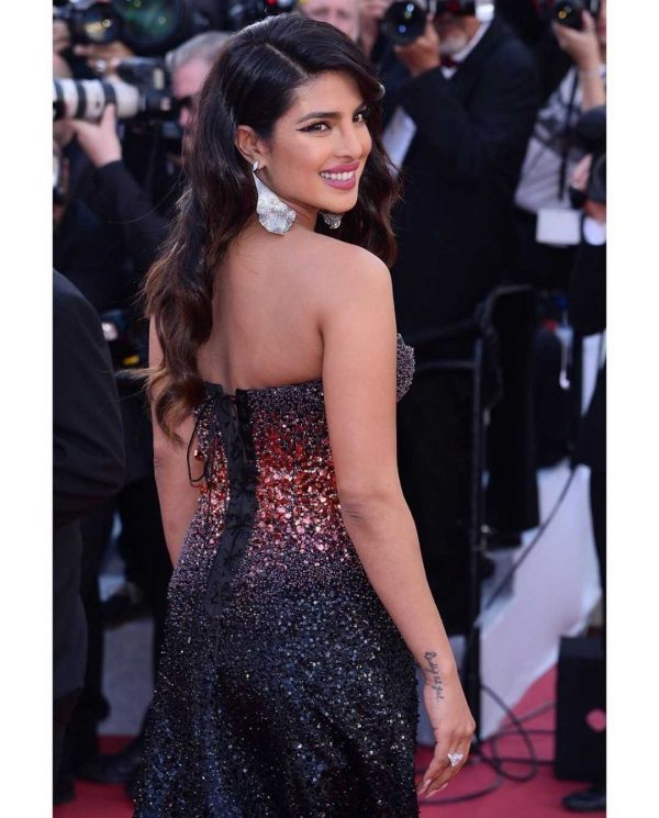 4-priyanka-chopra-cannes-2019-red-carpet