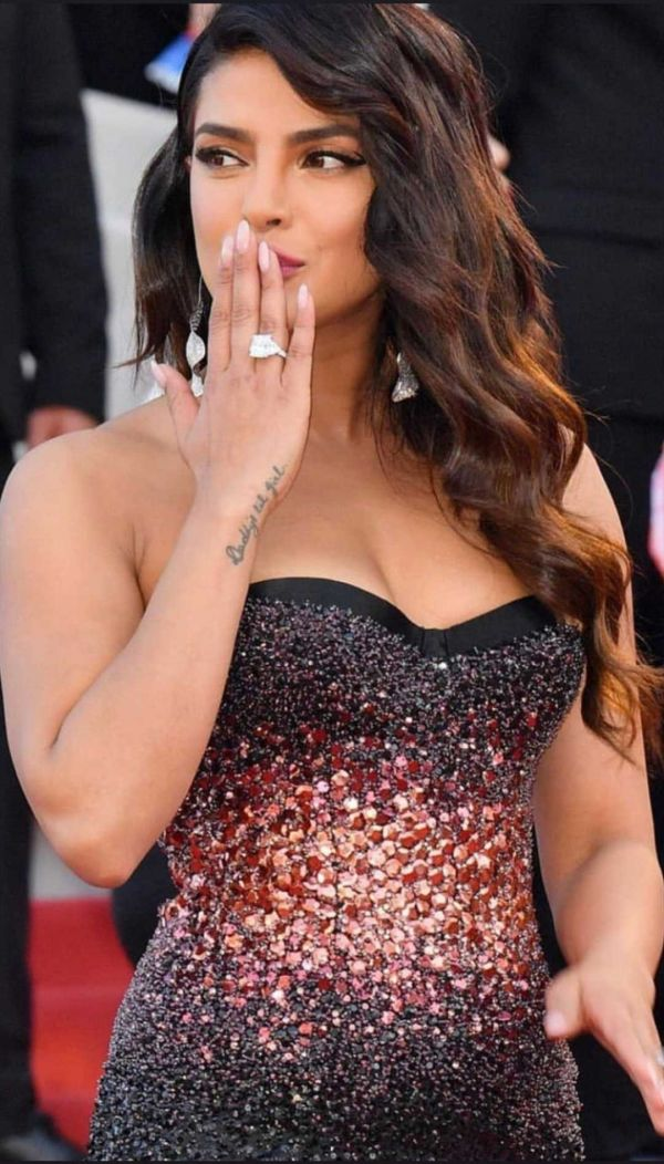 5-priyanka-chopra-cannes-2019-first-look