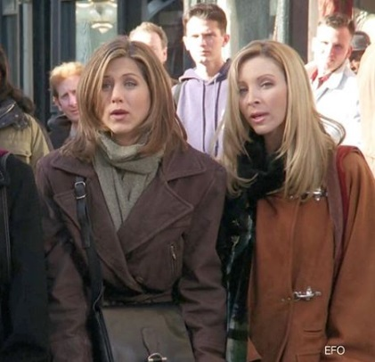 3-Rachel-Green's-Every-Chic-Outfit-On-Friends
