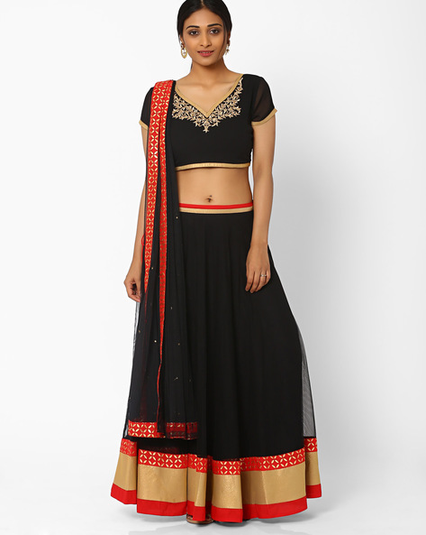 5 dos and donts of wearing ethnic wear black lehenega