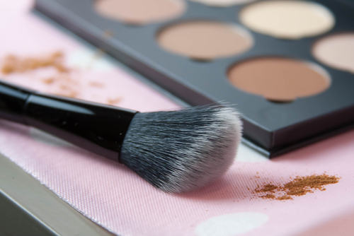 5 look good naked - blush palette and brush