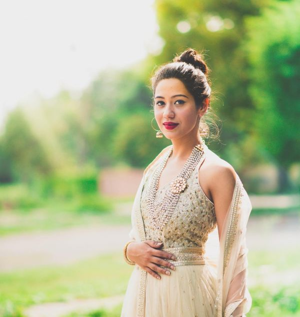 2 hairdos for the summer bride - top knot