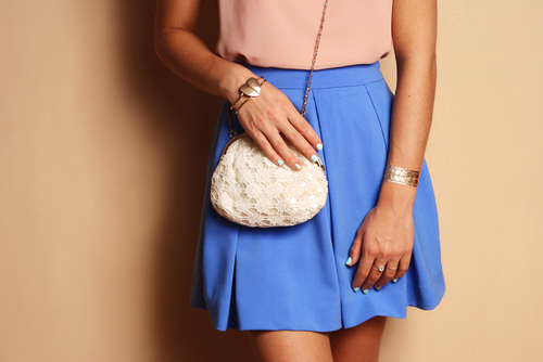 7 fashion hacks - girl with blue skirt and purse