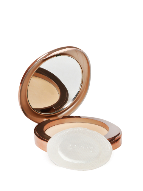 3 beauty products to carry - Lakme Apricot Flawless Matte Complexion Compact