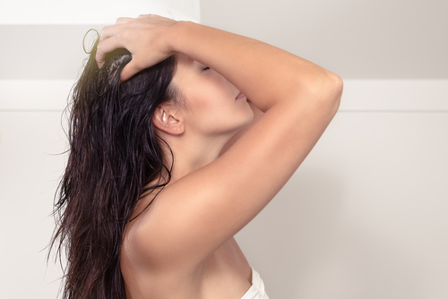5 oiling your hair