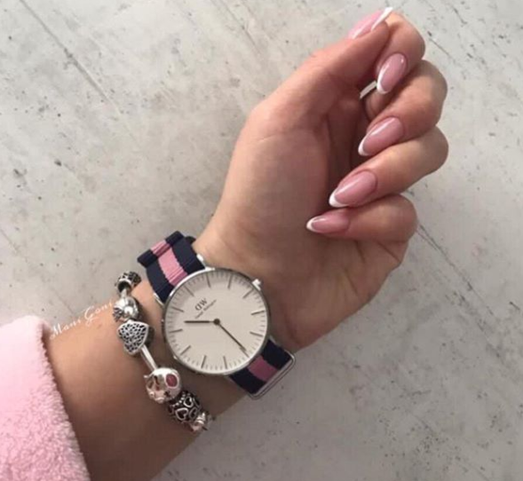 french-manicure-nails