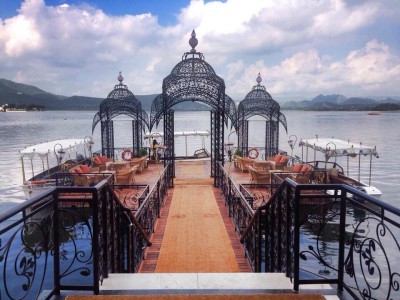 Taj Lake Palace  jetty (Motarboat entry)