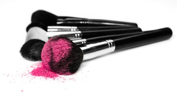 unclean makeup brushes