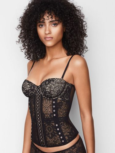 8-types-of-lingerie-Crochet-Lace-Corset