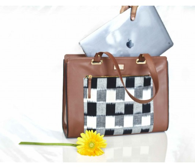 check-it-out-handbags-for-laptops