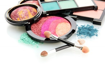 chemicals in makeup-1