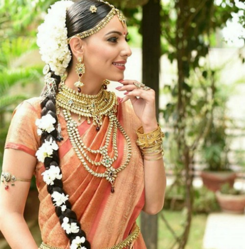 bridal hairstyle ideas with gajra