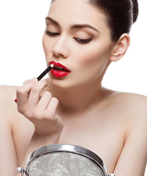 the right way to apply red lipstick 3