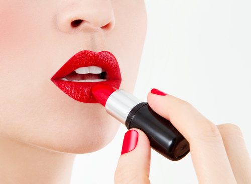 the right way to apply red lipstick 4