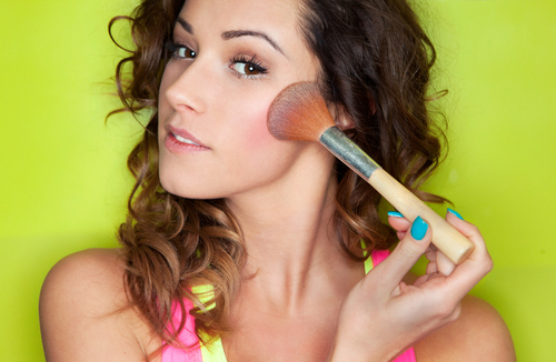 7 makeup tricks for acne