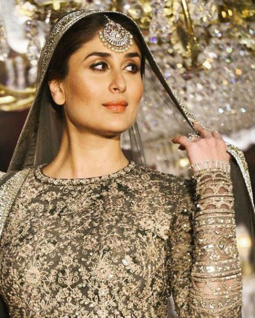 1 Kareena walked the ramp