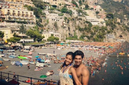 5 Vacation pictures of this celeb couple