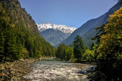 8-weekend-getaways-near-delhi-Kasol