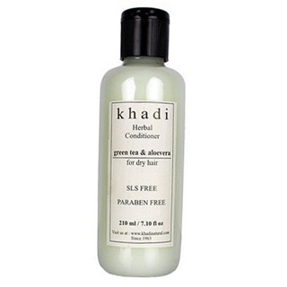 2 best hair care products under Rs 500 - khadi natural herbal conditioner green tea and aloe vera