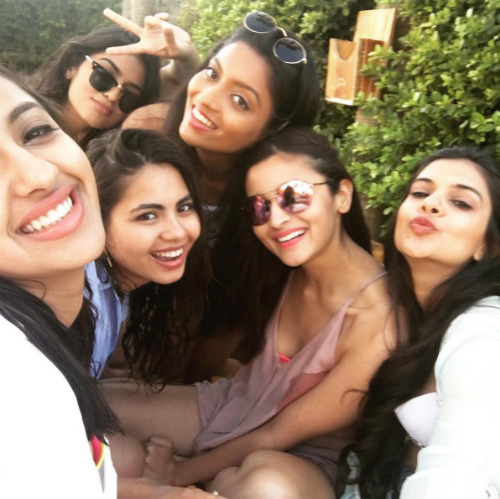 6 alia bhatt and her friends