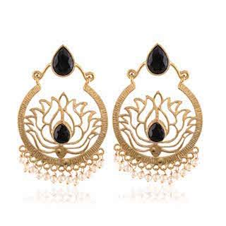 7 chand baali earrings