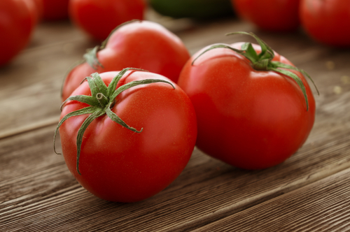 1 glowing skin - tomatoes