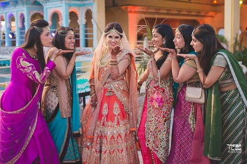 1 wedding photos with bridesmaids