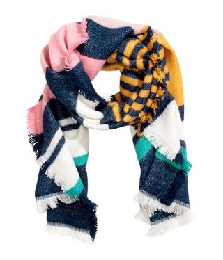 14 best stoles for women to keep you warm and stylish