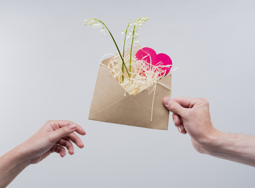 2 gift ideas for your new boyfriend