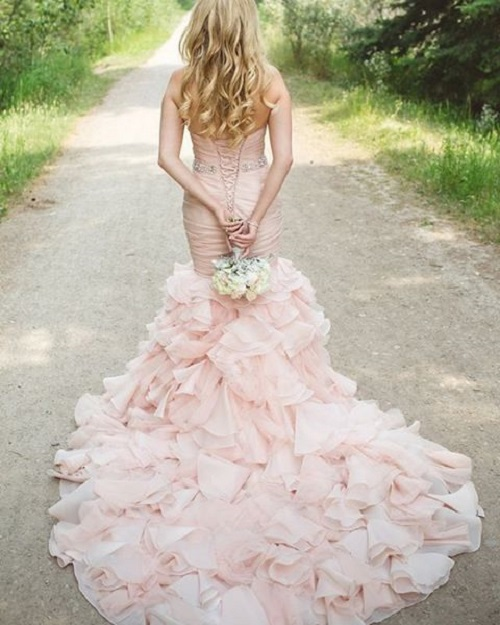 5 colourful wedding gowns