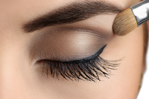 7 liquid eyeliner tips and tricks