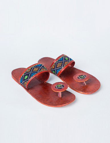 Embroidered-Elegance-indo-western-shoes