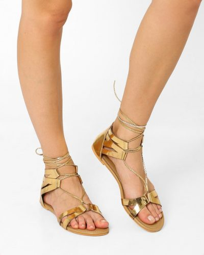 Glam-In-Gladiators-indo-western-shoes