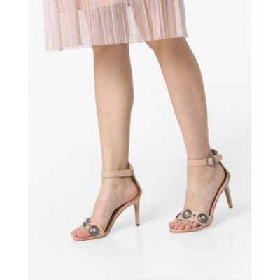 Nude-is-the-new-trend-indo-western-shoes