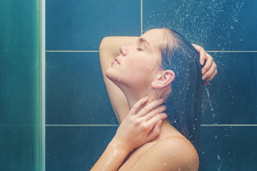 7 ways to get glowing skin - hot shower