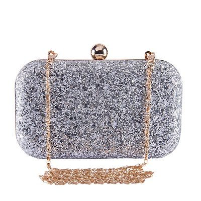 bling-clutch-attractive-outfit