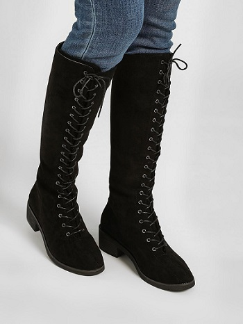 boot-to-the-rescue-attractive-outfit