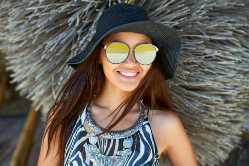 2 accessories every girl should have