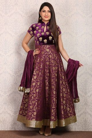 2 outfits for your sisters sangeet
