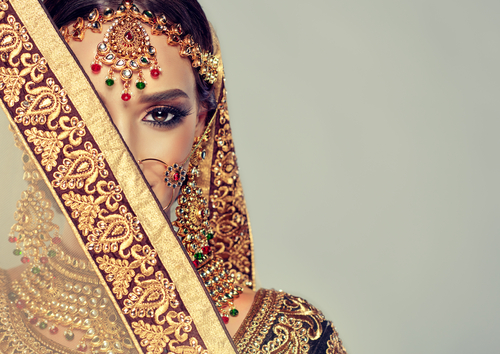 8 what not to do while wearing a lehenga