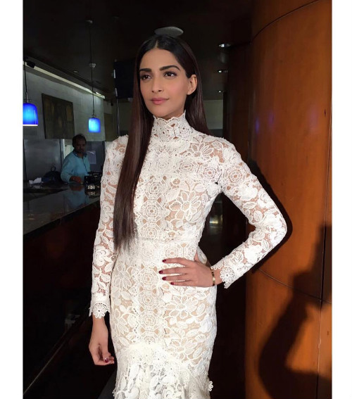 1 celebrity haircuts - sonam kapoor