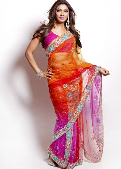 10 tips to walk in a saree